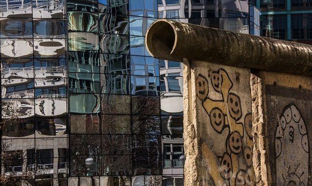 Berlino che fine ha fatto il muro viaggi originali for Quotazione ferro oggi